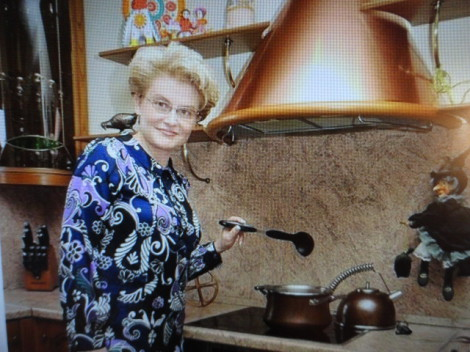 Елена Малышева на кухне